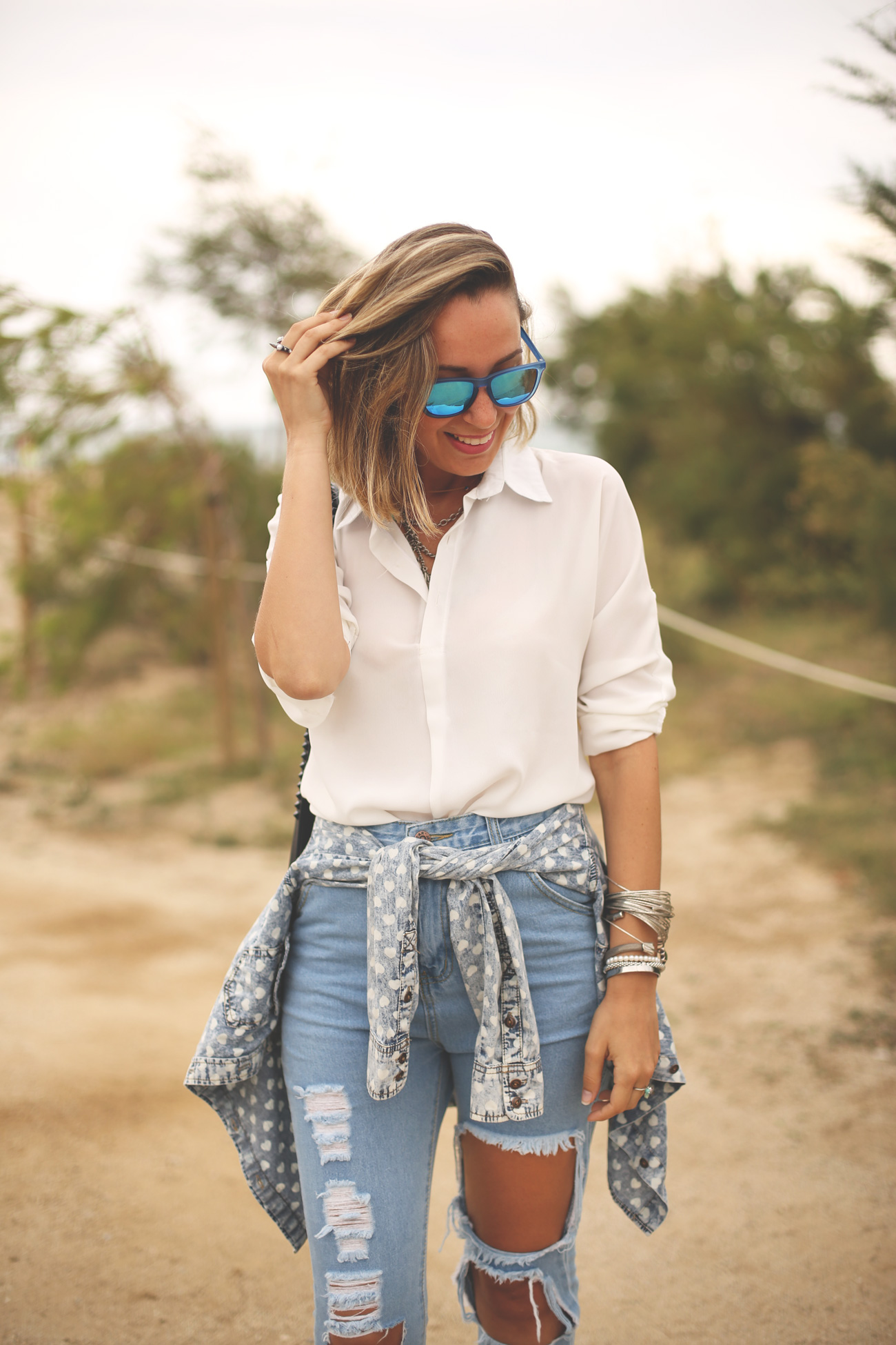 Mum Jeans, ripped jeans, white shirt, silver jewelry, baby blue heels, mirror sunglasses, blackguard 64