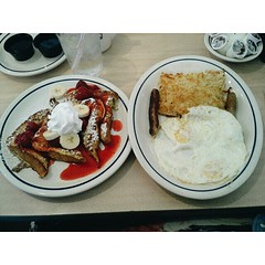 Had breakfast yesterday morning with my sweet friend @modest__behaviour  . love you girl!!!