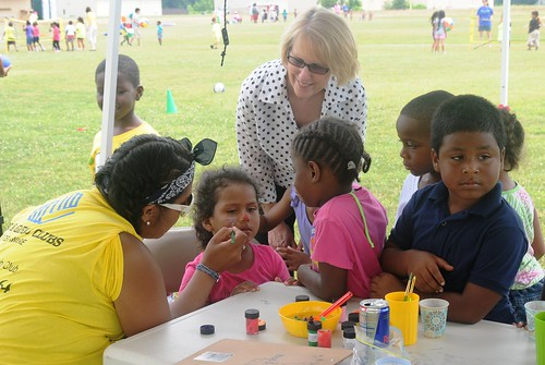 FNS Regional Administrator Pat Dombroski, with youth at a summer meals site run by the Western Sussex Boys & Girls Club in Seaford, Del.