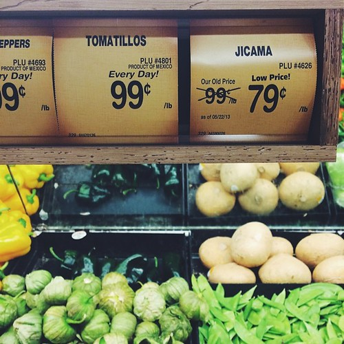 Jicama is one of the first thing I get at the supermarket when in #Americaland. Also, look at those tomatillos    #vscocam #vscofood #vsco #ingredients #jjupandaway