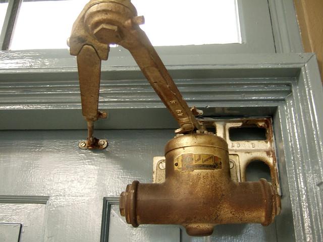 Ilco ball bearing door closer