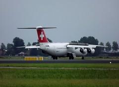 swiss Avro RJ100 HB-IYT op Schiphol. 28-8-2014