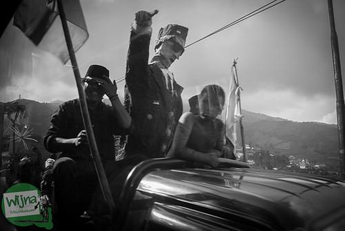 Replika patung Bung Karno di pawai 17 agustus di sepanjang perjalanan menuju Dieng, Jawa Tengah