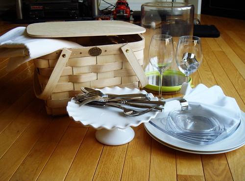 Diner En Blanc Basket