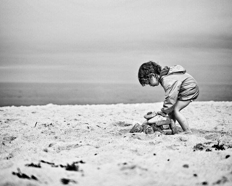 Nyusha and the Sea