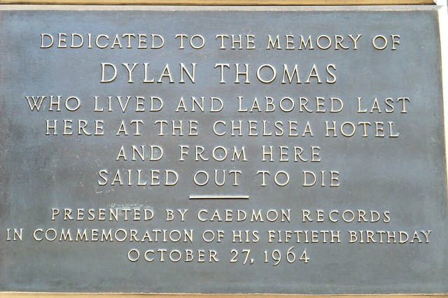Photo of Dylan Thomas brown plaque