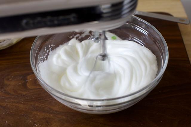 making an egg white cloud
