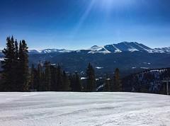 Beautiful day at Breckenridge  #breckenridge #bluebirdday #vailcolorado #colorado #coloradophotography #lovetheoutdoors #mountainlife #travelmyusa #goodtimes #travel #winter #beautifuldestinations #fzardaphotos #fzphotographyus #