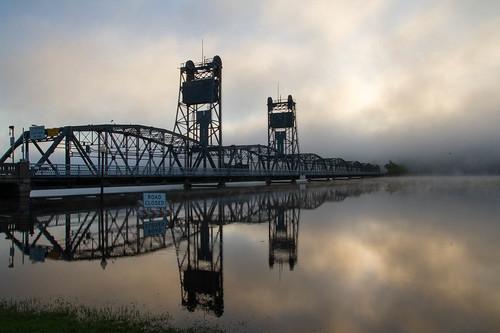 bridge minnesota sunrise reflections lift places stillwater stcroixriver liftbridge