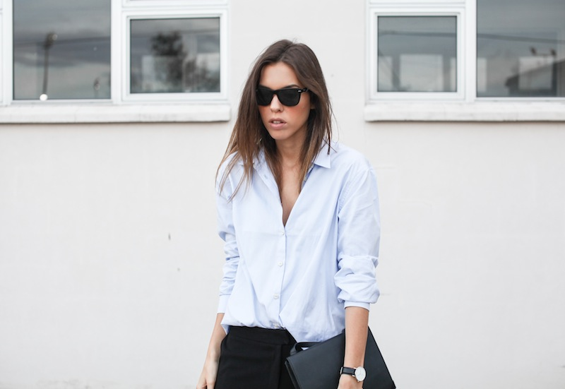 modern legacy blog kaity street style off duty minimalist man style shirt ankle zip pants Camilla and Marc slide sandals Common Projects Alexander Wang Prisma envelope clutch black blue (6 of 7)