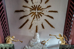 Amsterdam - Ons' Lieve Heer op Solder 18 - God met Heilige Geest-stralenkrans