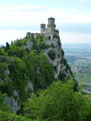 San Marino - la Cesta o Fratta, view to la Rocca o Guaita (2)