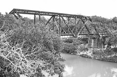 Southern Pacific RR Bridge over San Marcos River, Luling, Texas 1406071107bw