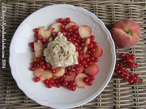 ©Fruit Salad with long pepper cream