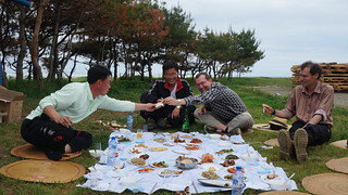 Seafood picnic at the Sea of Chilbo