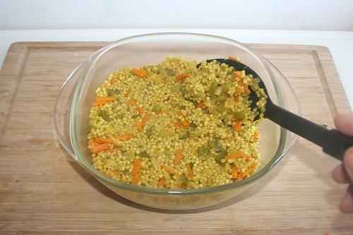 35 - Perlgraupen in Auflaufform geben / Fill pearl barleys in casserole