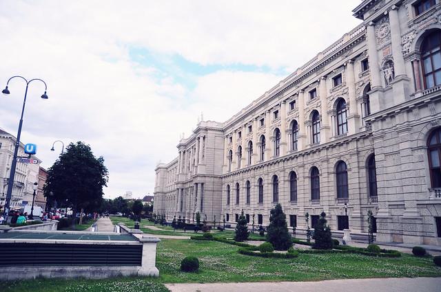 Vienna_postcards_museumsquartier (11)