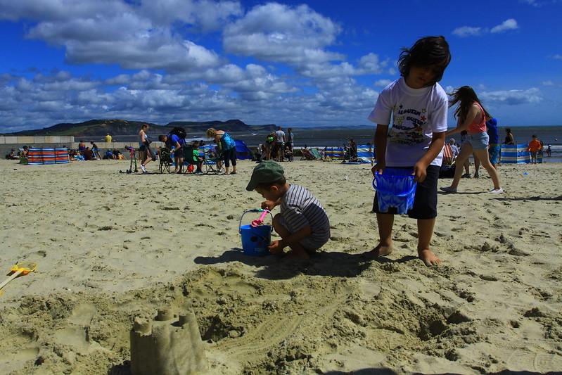 xây lâu đài cát