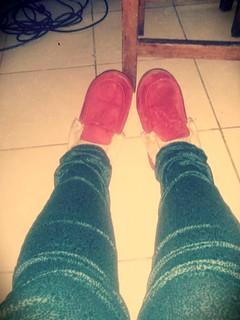 Pantalones y pantuflas nuevas