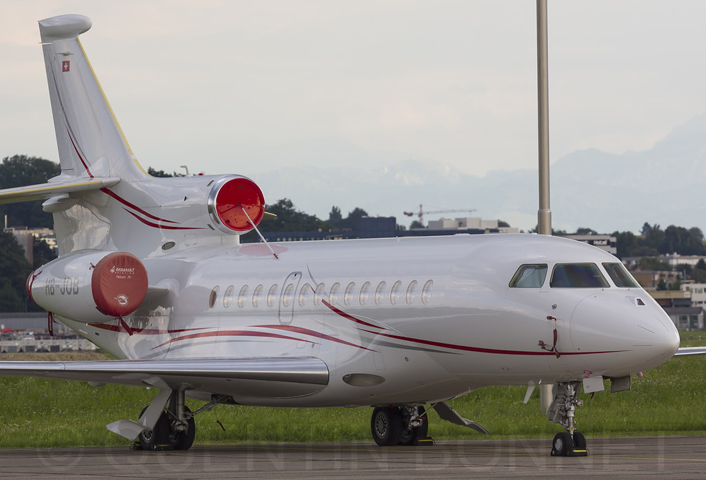CAT Aviation Dassault Falcon 7X  HB-JOB