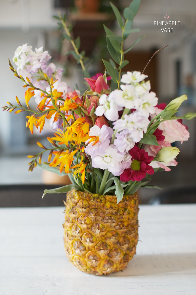 Make a pineapple vase!