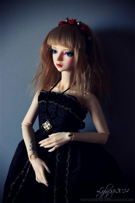 Just a Doll ? * glitter * ( 02/04/2020 ) 14879192372_d619847825_o