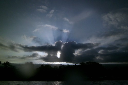 ocean sea sky sunlight nature water ecology clouds sunrise island hawaii polynesia bay scenery pacific dive diving scene pacificocean tropical rays bigisland aquatic kona sunup ecosystem 2014 honaunau konacoast hawaiicounty southkona hawaiiisland honaunaubay westhawaii konadiving bigislanddiving hawaiidiving sealifecamera barryfackler barronfackler