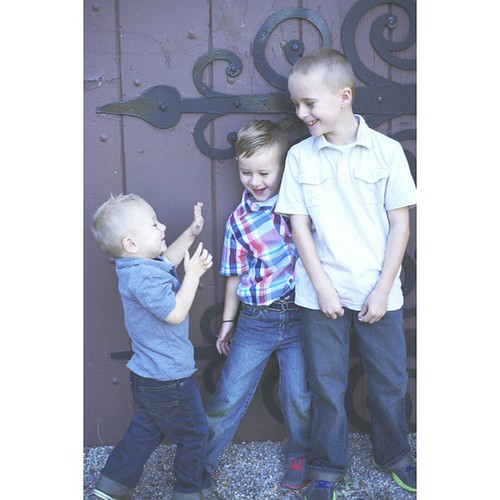 I had @hardcastle.photography take pictures of the boys  last week amd thry turned out great....especially since the two year old didnt cooperate for most of them.   Thanks Jenn!