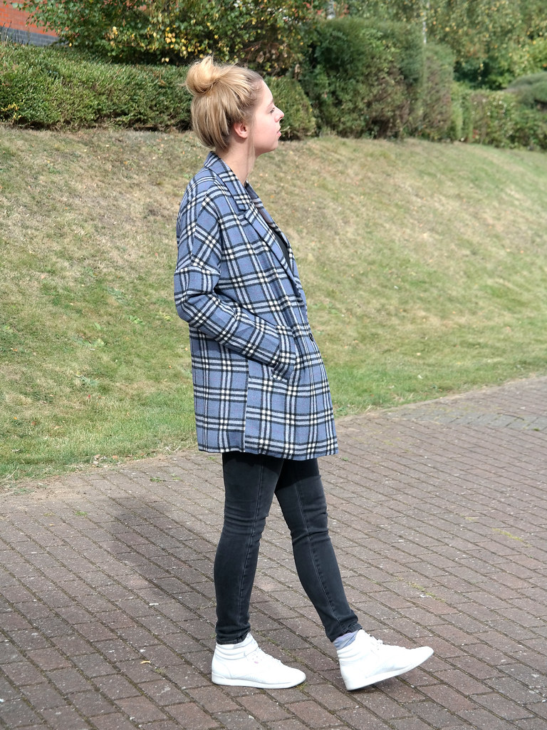 Simple outfit post check tartan oversized coat