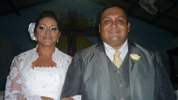 Os noivos Aline Silva e Carlos Lins Jennings