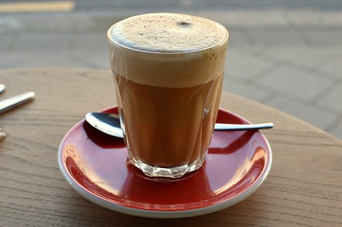 Almond mylk latte