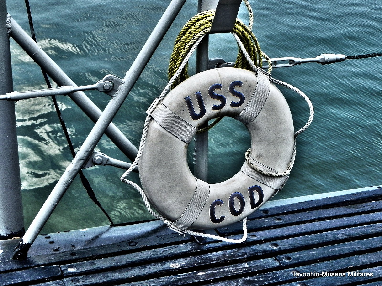 Detalle de un salvavidas del USS Cod