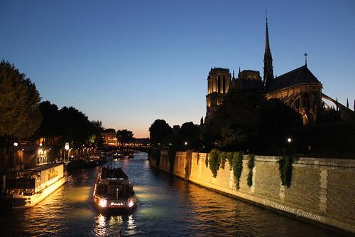 blue paris france de dusk damien notredame cathédrale hour notre dame crépuscule graham heure bleue