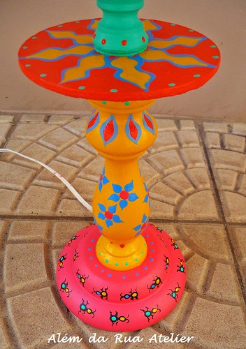 Um abajur colorido!!!