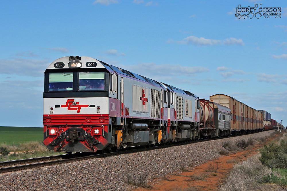 CSR002 & CSR008 work the 2MP9 freight near Redhill by Corey Gibson