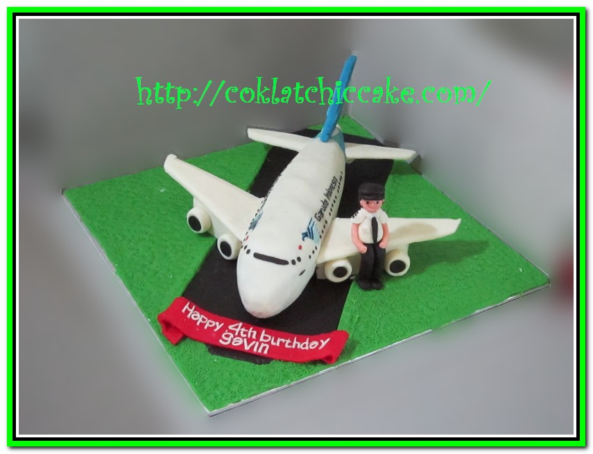 Kue ulang tahun pesawat garuda