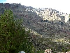 Refuge de Puscaghja : le versant de montée à l'arche de Caprunale