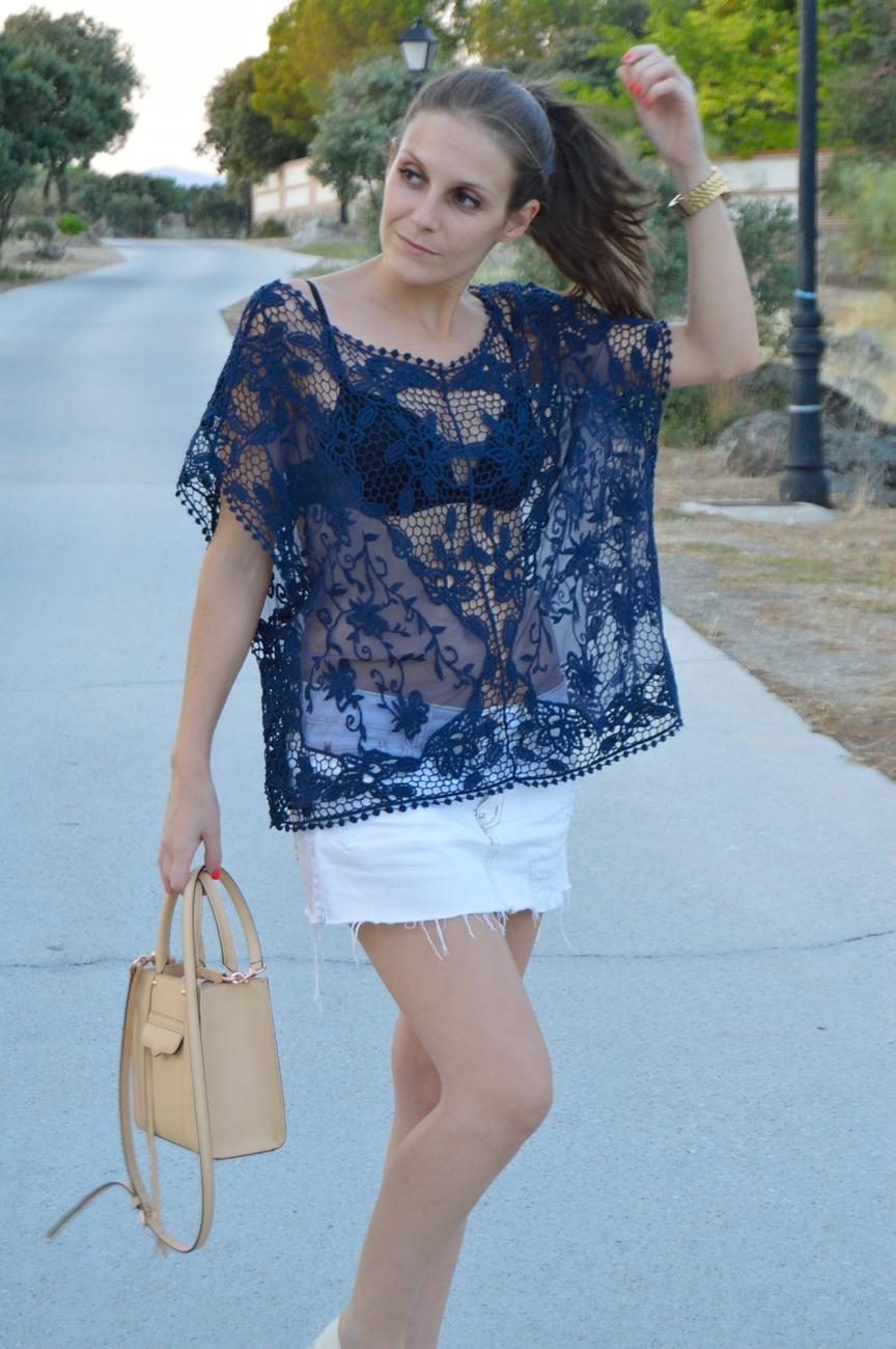 lara-vazquez-madlula-fashion-trends-look-lace-blue