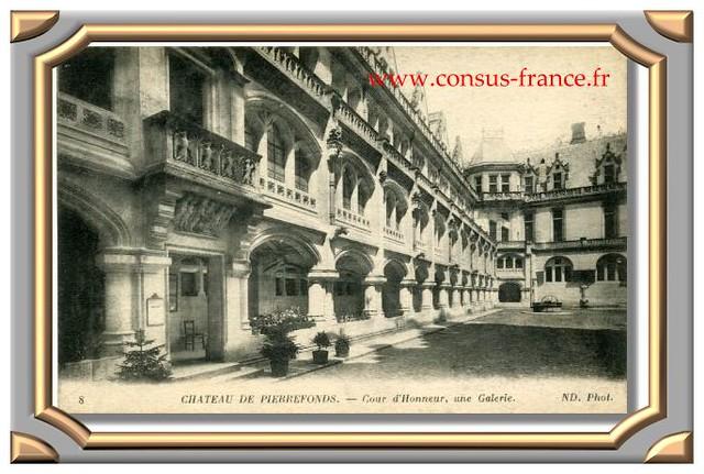 9 CHATEAU DE PIERREFONDS. - Cour d'Honneur, une Galerie. ND. Phot.