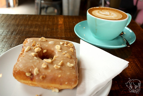 49th Parallel & Lucky's Donuts