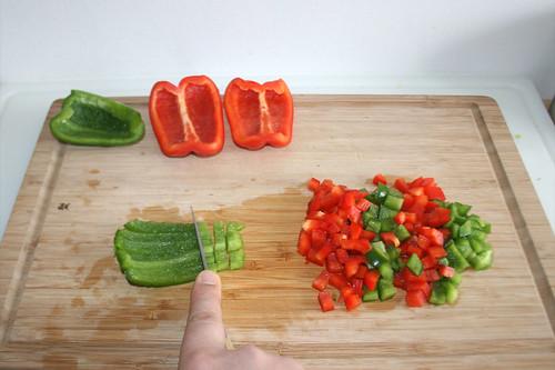 18 - Paprika würfeln / Dice bell pepper