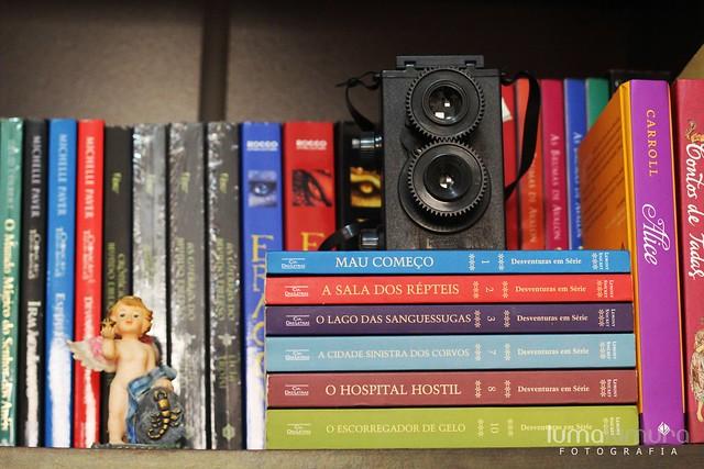.bookcase.