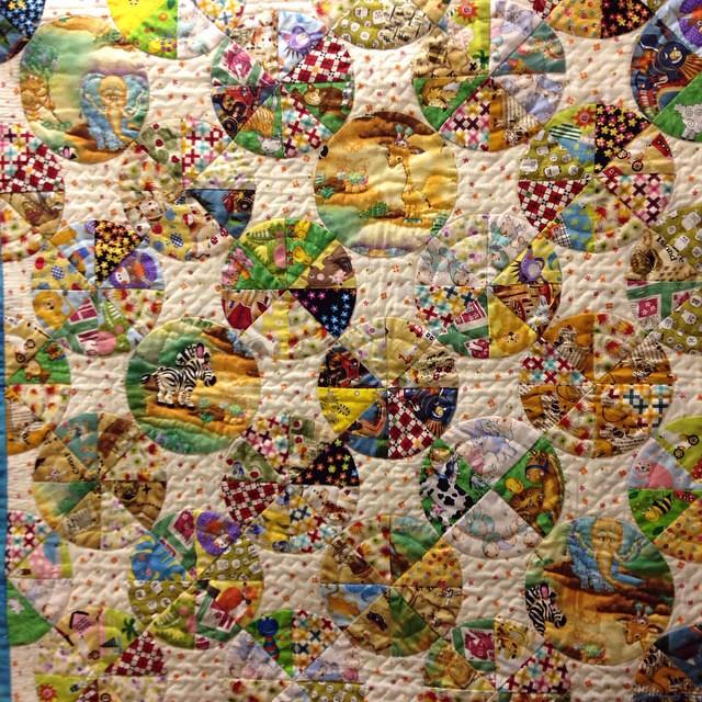 ベビーキルト出来ました〜これは、9月の25日から29日まで、高岡大和でパッチワーク展で展示されます。himeちゃんの作品です。