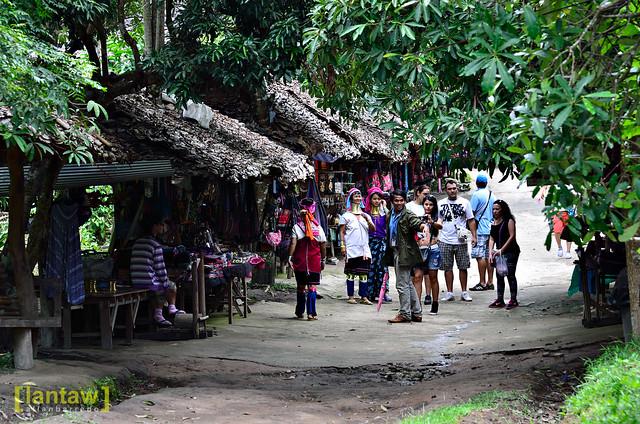 Kayan Lahwi village