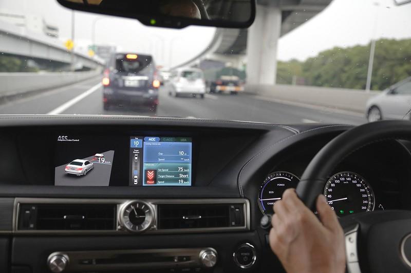 Keunggulan Teknologi Adaptive Cruise Control