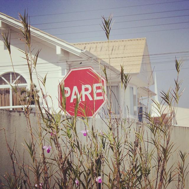#desafioprimeira 4- Placas: De trânsito. Essa daí fica ao lado da minha casa.