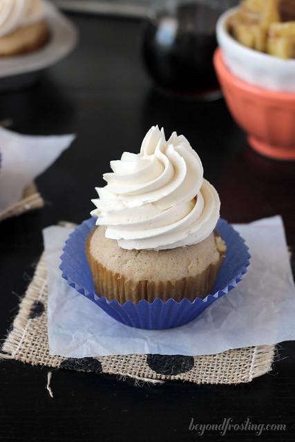 Apple pie cupcakes with maple buttercream