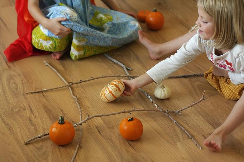 pumpkin tic tac toe