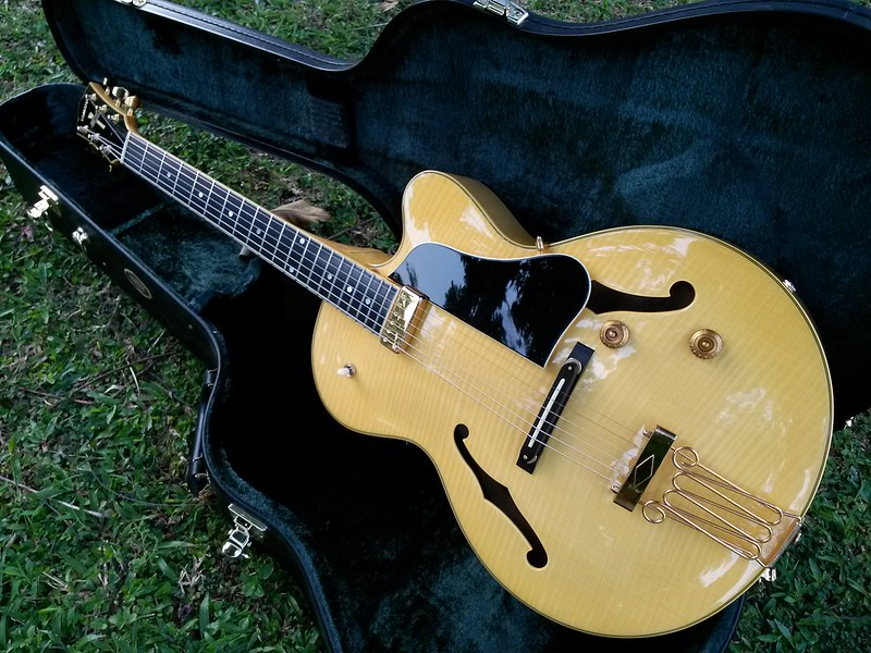 yamaha aex 1500 martin taylor archtop jazz guitar cheap price reduce. Black Bedroom Furniture Sets. Home Design Ideas