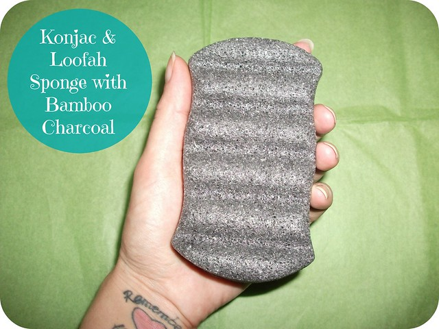 Konjac & Loofah Sponge with Bamboo Charcoal Review